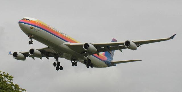 Gambar Pesawat Airbus A340 09