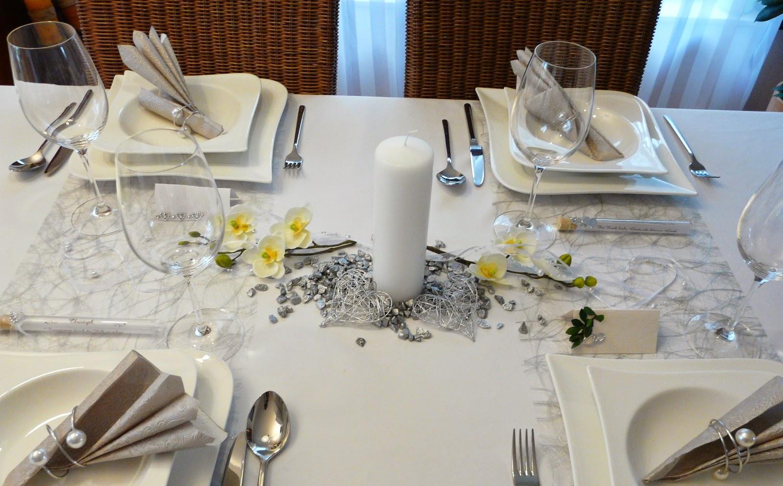 mustertische zur silberhochzeit gastgeschenke tischkarten serviettenringe bei tischdeko. Black Bedroom Furniture Sets. Home Design Ideas