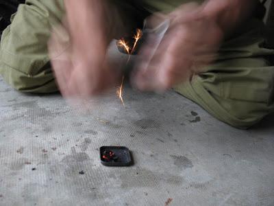 étincelle, briquet acier silex