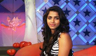 WWW.BOLLYM.BLOGSPOT.COM Tamil Actress Dhanshika at Polimer TV Event in Chennai 0005.jpg