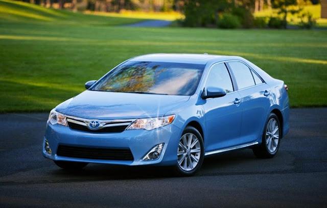 2012 Toyota Camry XLE Hybrid Invoice Price