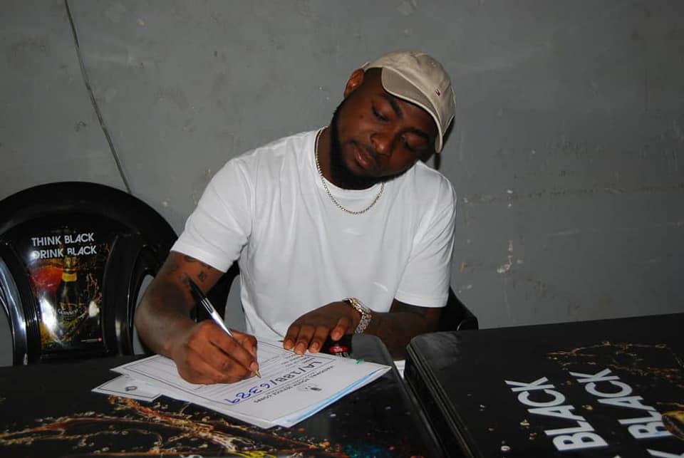 Davido asitisha ghafla ziara yake ya muziki nchini Marekani, atangaza kujiunga na jeshi Nigeria
