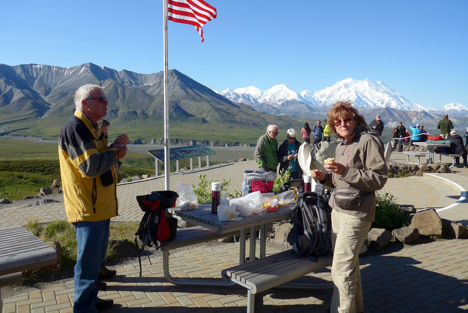 Hansuli and Liz having lunch at Eielson