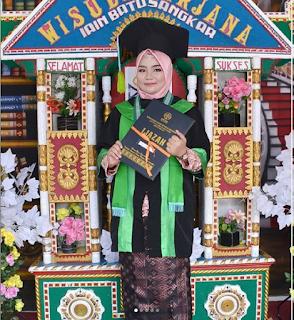 Mahasiswi MPI Meraih Lulusan Terbaik Se-Fakultas Tarbiyah dan Ilmu Keguruan IAIN Batusangkar