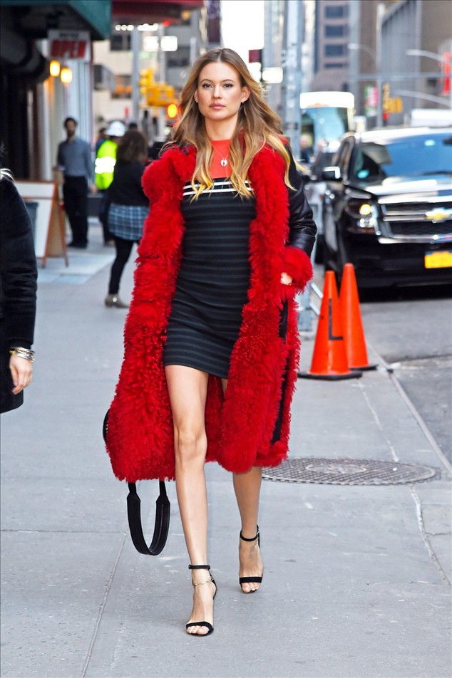 Celebrity Street Style: Behati Prinsloo In New York City