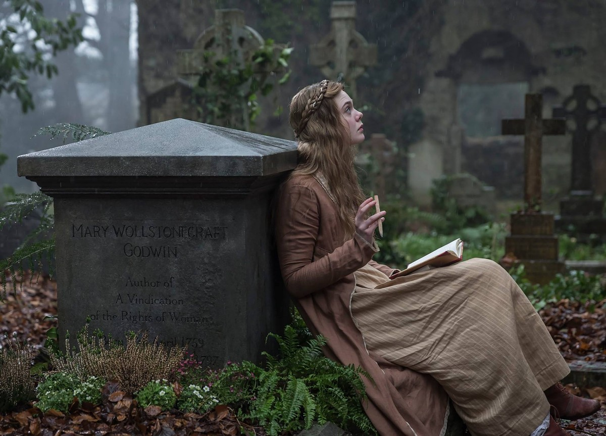 MARY SHELLEY - Elle Fanning