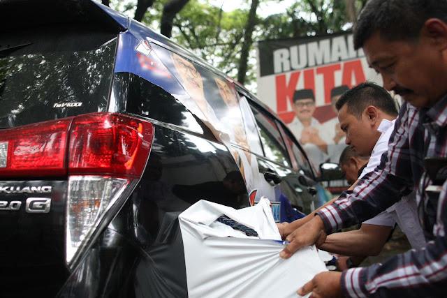 Bardalih Patuhi Aturan KPU, Tim IYL-Cakka Lepas Branding Kendaraan