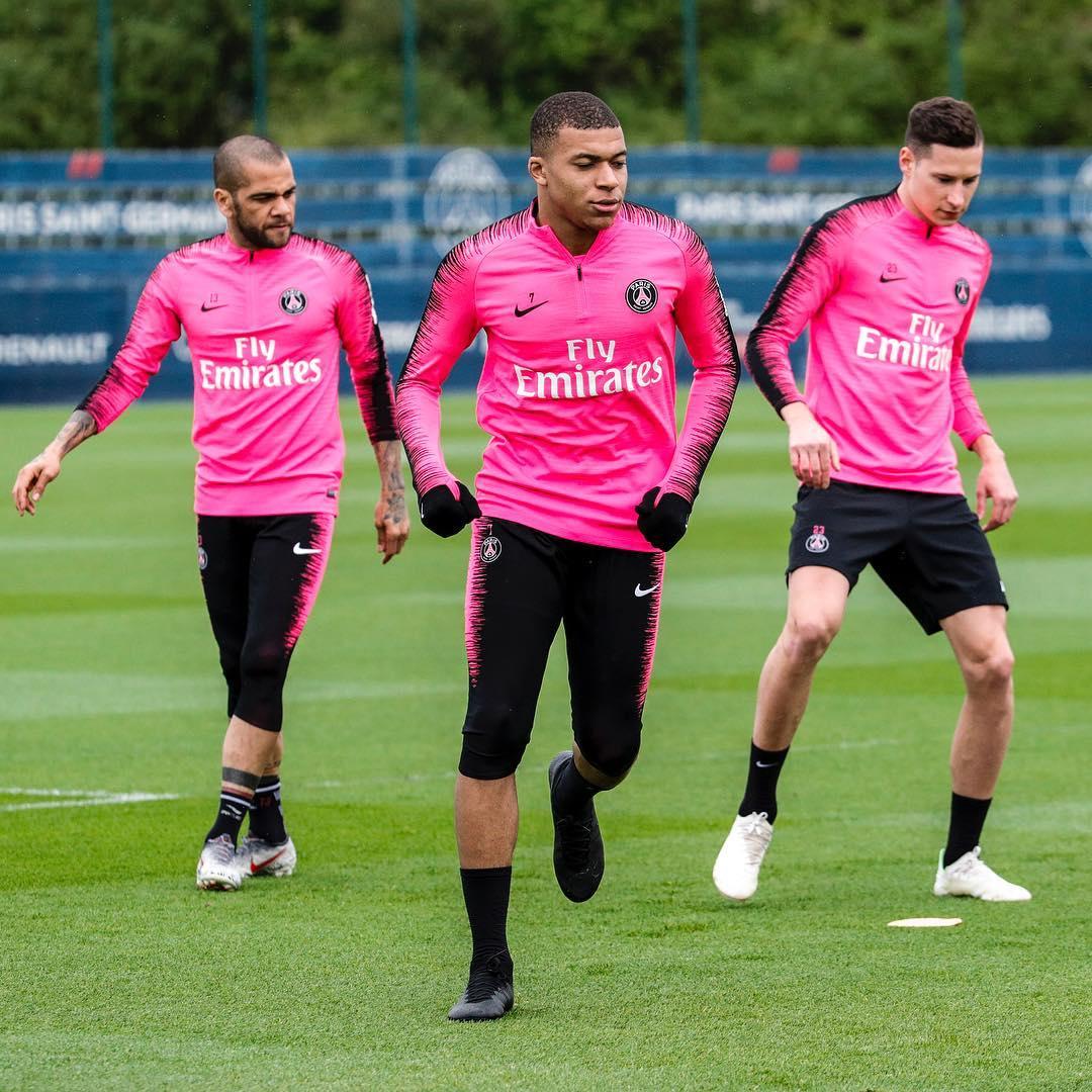 cheaper e8ac4 06b52 Aubameyang, Mbappe, Hazard & More: Nike Players Wear Next ...