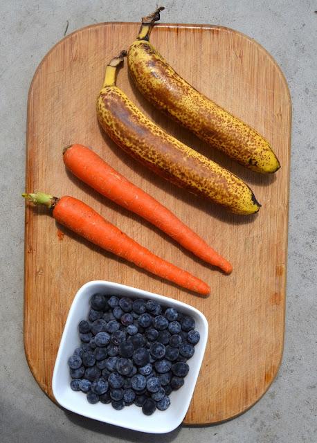 Carrot Berry Banana Smoothie