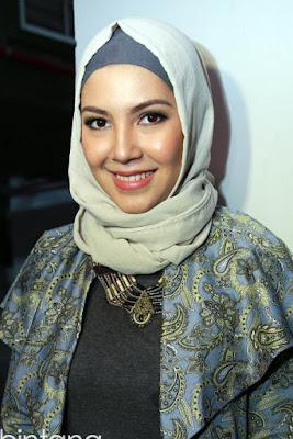 """cantik cantik pakai hijab Bintang FTV """"Pacar Sewaan"""" Ratna Galih"""