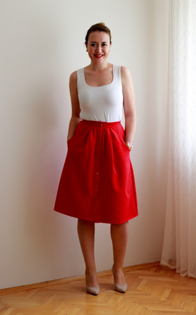 kırmızı etek, en güzel kırmızı en güzel beyaz etkinliği, 29 Ekim giysileri