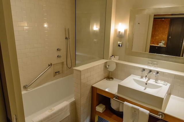 Auberge Saint-Antoine Comfort Queen Room
