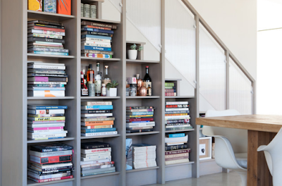 http://www.architectureartdesigns.com/15-functional-libraries-under-the-stairs-for-better-use-of-the-space/?fbclid=IwAR0vPZFZzzI703zYgIcQG41lmiktyTqZPX_hNcK9IOiunLhULJRvW5XWejI