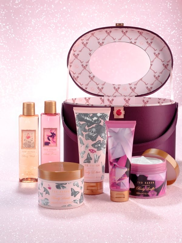 6df9dc0b3e456 The collection itself has products with two different fragrances