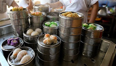 Chinese Restaurants Make Easy Profits in Malaysia