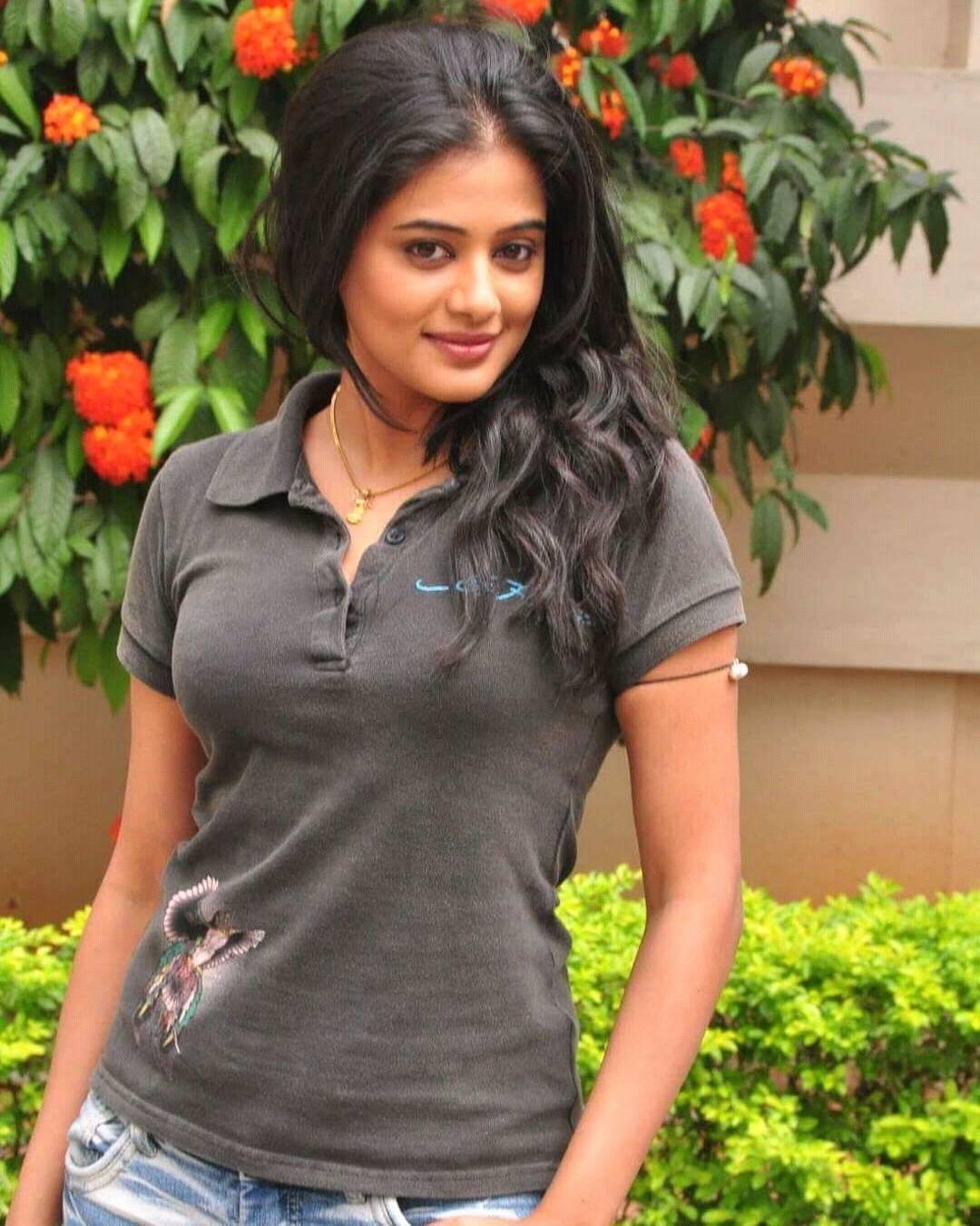 Priyamani Photos | Priyamani Bikini - HD Actress Photo