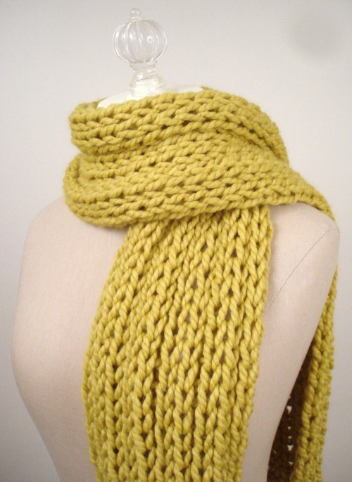 Super Quick Ribbed Scarf - Free Knitting Pattern