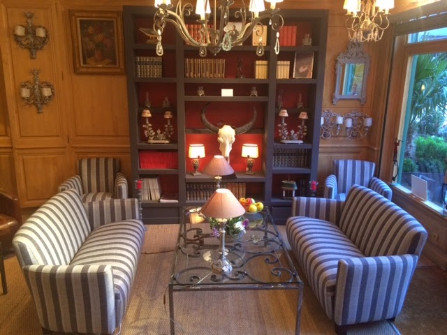 fauteuils club et canap s club versailles. Black Bedroom Furniture Sets. Home Design Ideas