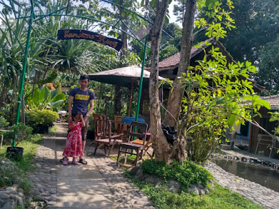 Terapi Ikan di Kampung Flory Sleman