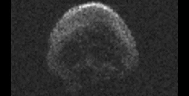 This image of asteroid 2015 TB145, a dead comet, was generated using radar data collected by the National Science Foundation's 1,000-foot (305-meter) Arecibo Observatory in Puerto Rico. The radar image was taken on Oct. 30, 2015, and the image resolution is 25 feet (7.5 meters) per pixel. Image credit: NAIC-Arecibo/NSF