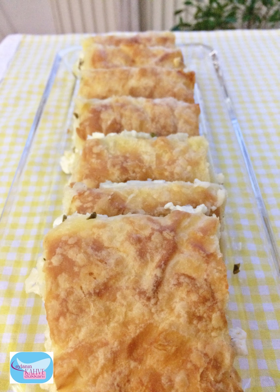 Pratik Su Böreği (Muffin Tepsisinde)