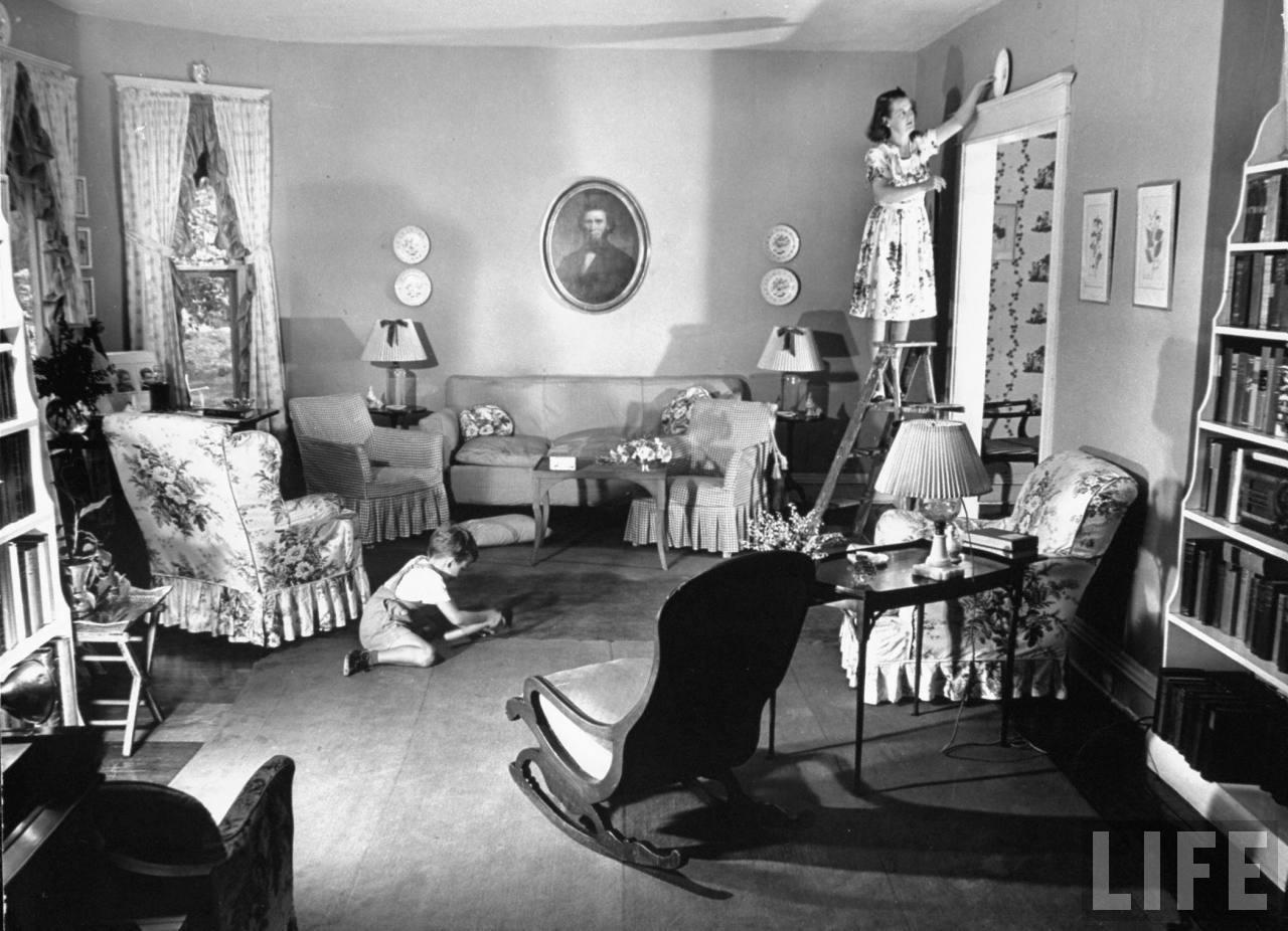 1940 S Fashion Housewifes Daily Routine Glamour Daze