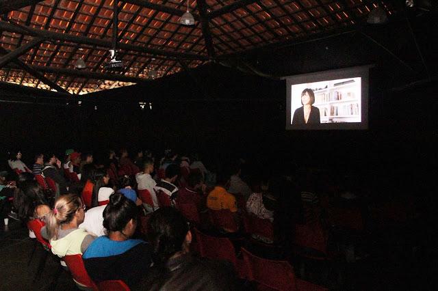 Pipoca e chá nas sessões de cinema do Programa Pontos MIS na Ilha Comprida