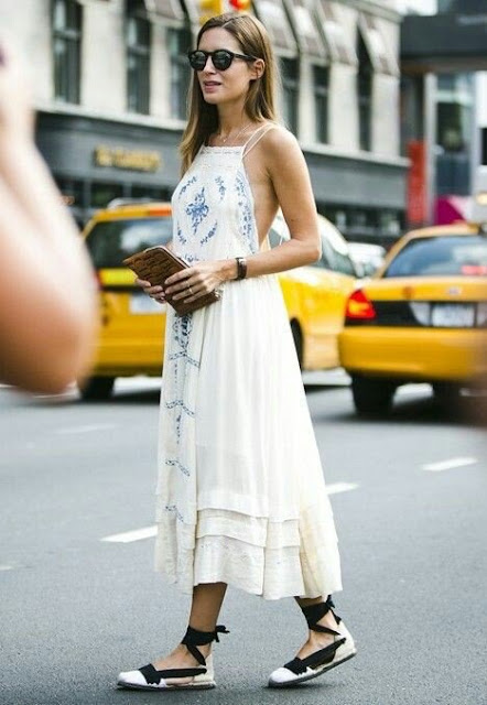 Gala González : espadrilles and summer boho dress