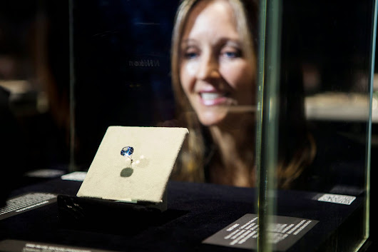 The cutting of the Blue Moon diamond