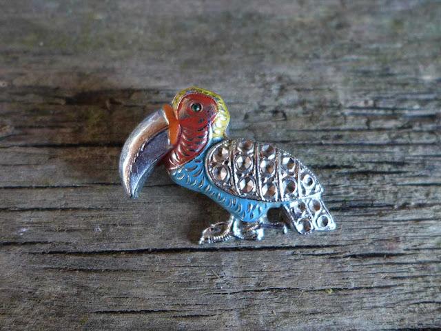 Broche rétro toucan