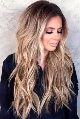 Model rambut sebahu layer panjang