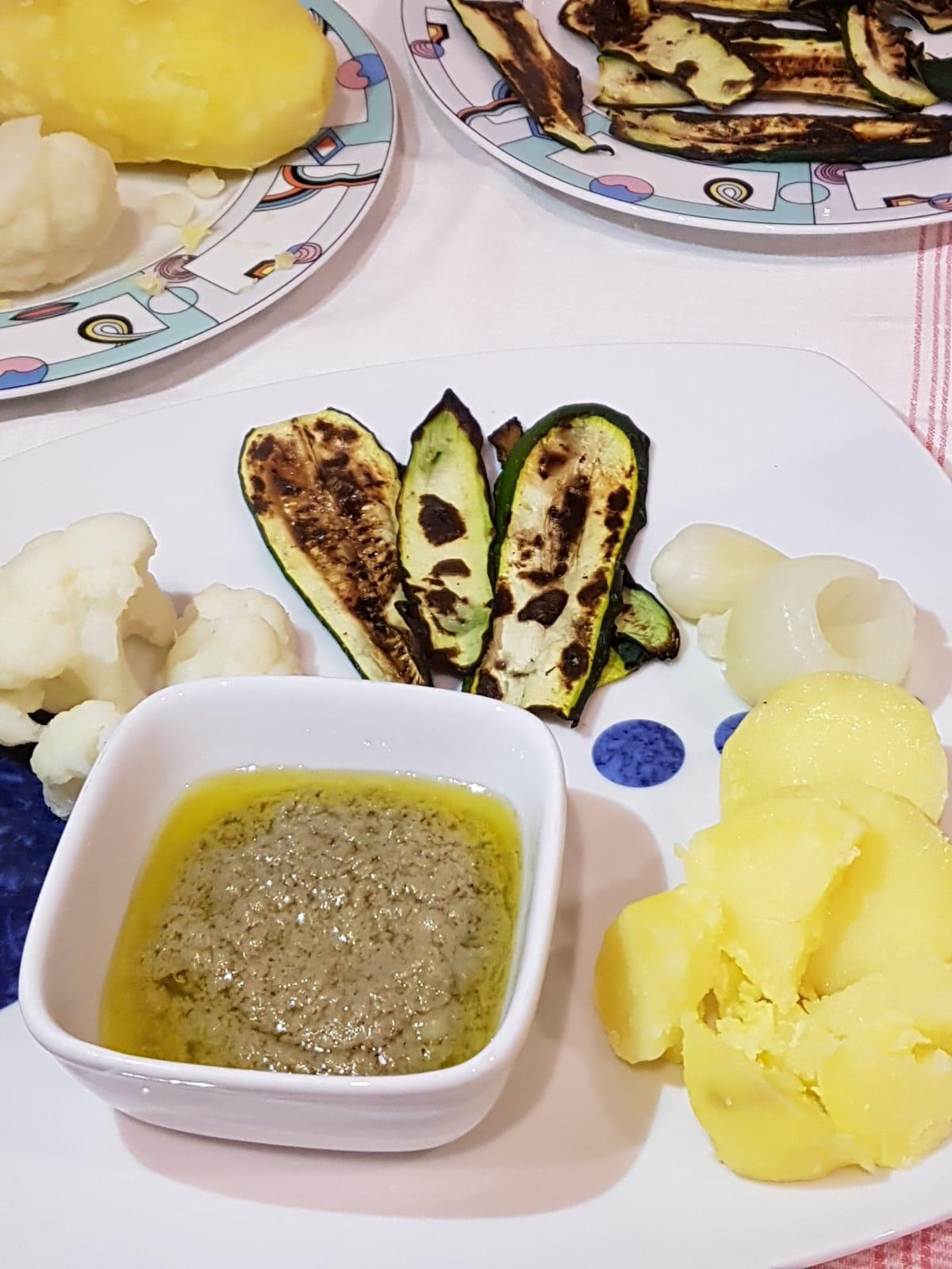 Bagna cauda senza aglio leggera senza panna la ricetta di marco - Bagna cauda vegana ...