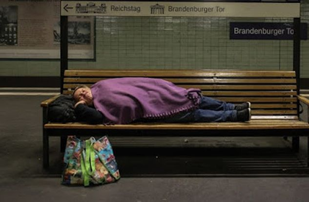 ΓΡΟΘΙΑ ΣΤΟ ΣΤΟΜΑΧΙ! Γερμανία: Δεν έχει χρήματα για τους ηλικιωμένους της, αλλά ξοδεύει 93 δισ. για τους μετανάστες (ΒΙΝΤΕΟ)