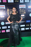 Akshara Haasan in Shining Gown at IIFA Utsavam Awards 2017  Day 2 at  10.JPG