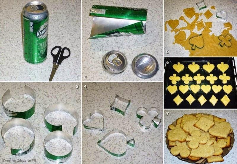 fotografía Moldes para hacer galletas  con lata de aluminio.
