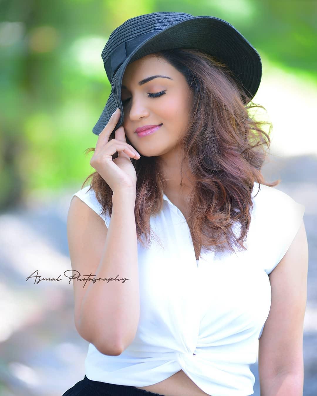 Actress Hot Navel Pics