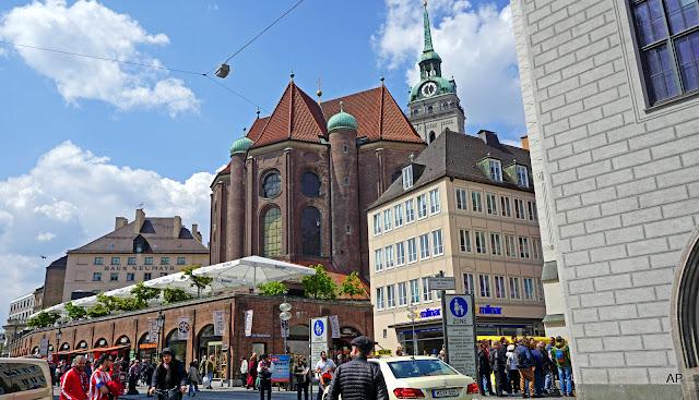 Peterskirche-Najstarszy Kościół Monachium