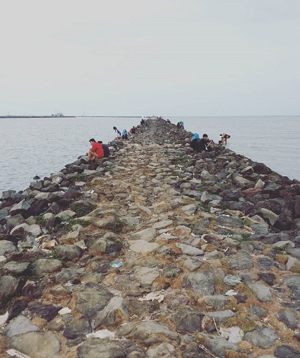 pantai kejawanan wisata cirebon