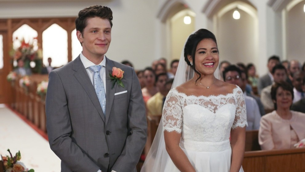 Gina Rodriguez Brett Dier Jane Villanueva Michael Cordero Jr boda wedding season 2 Jane The Virgin