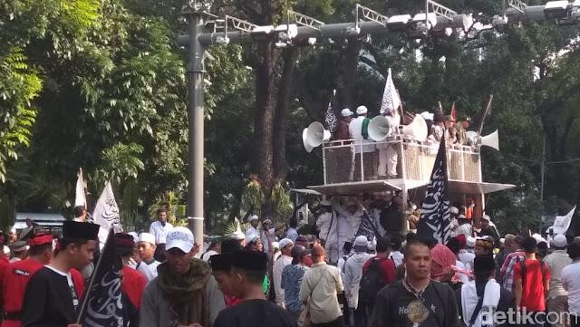 Orator-Massa Aksi Bela Tauhid Teriak '2019 Ganti Presiden'