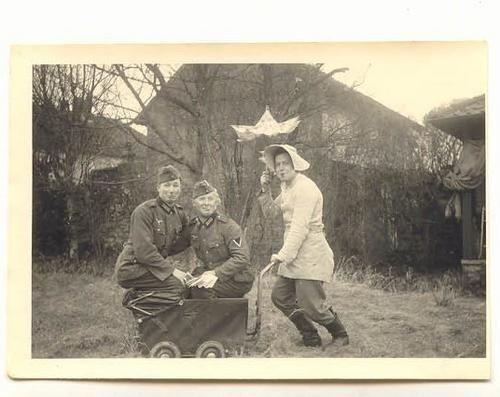 odd photos World War II worldwartwo.filminspector.com