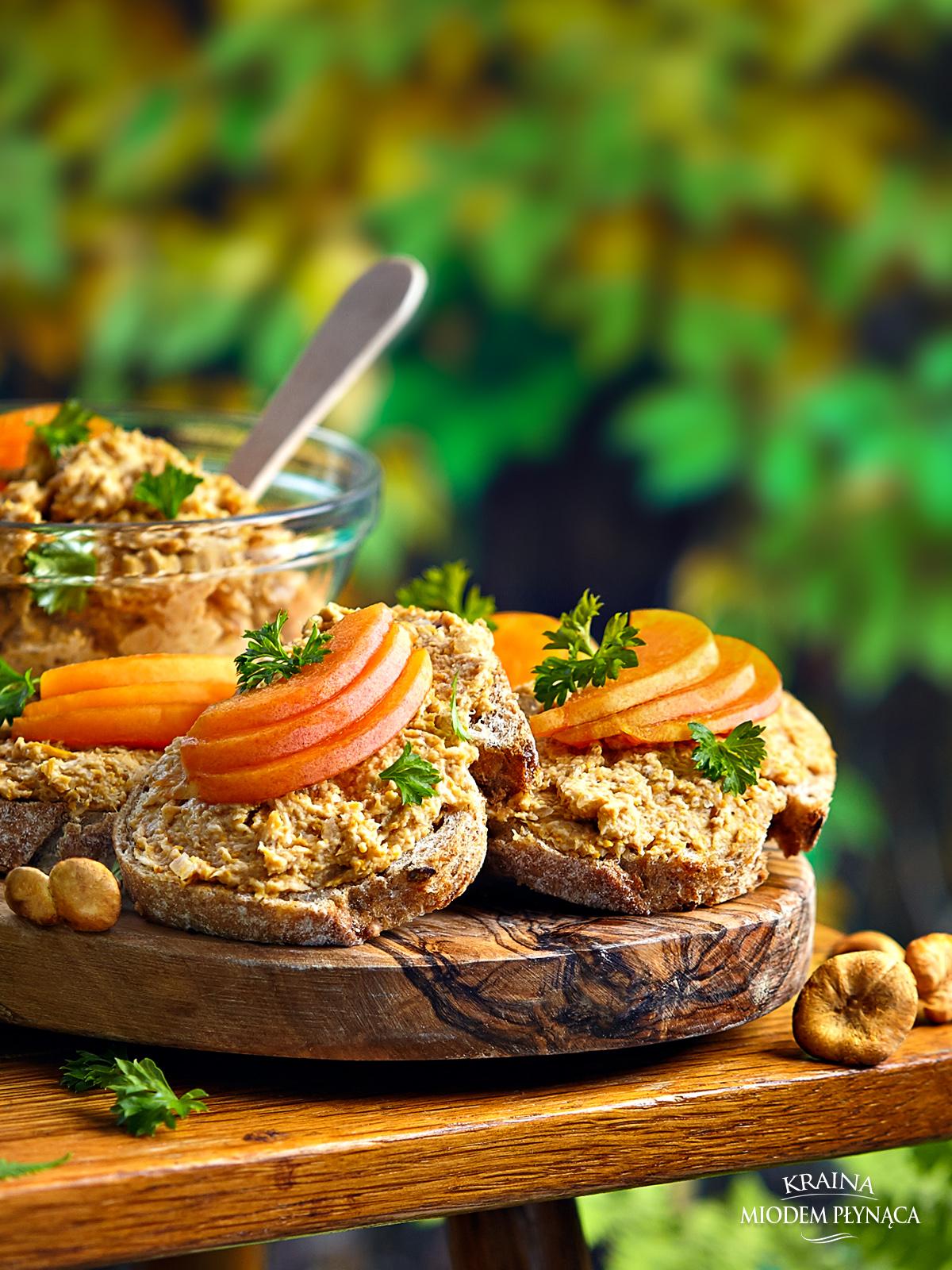 pasta z kurek, pasta kurkowa, pasta z grzybów, pasta grzybowa, smarowidło z kurek, smarowidło z grzybów, kraina miodem płynąca