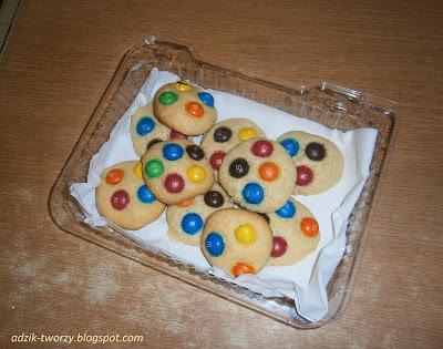 jak zrobić ciastka z cukierkami m&ms przepis