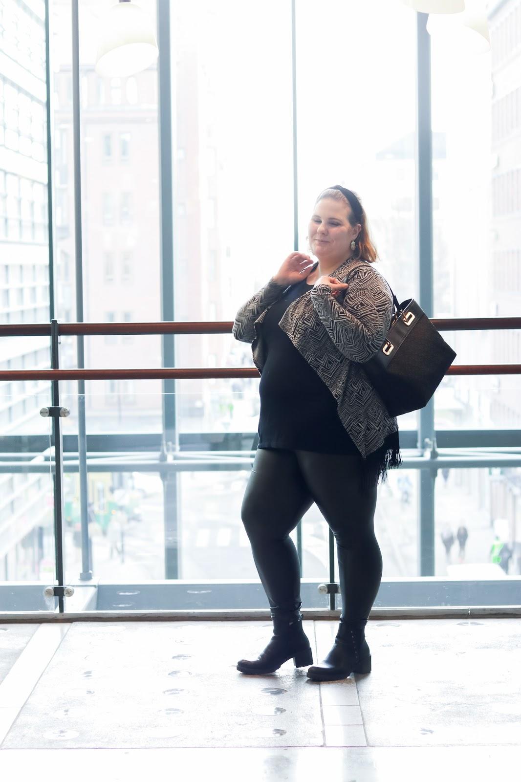 Zadaa, DKNY, Second hand, tekonahkahousut,