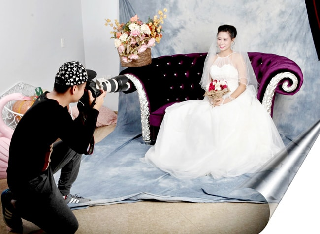 Bị choáng bởi cú sét ái tình của anh thợ chụp ảnh cưới, cô gái đã hủy hôn