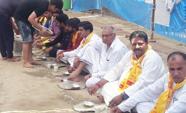 Organizing Bhandara on the occasion of Buddha Purnima in Faridabad, Bhagte did the eclipse