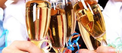 Saiba quais são as regras básicas de etiqueta para as festas da empresa