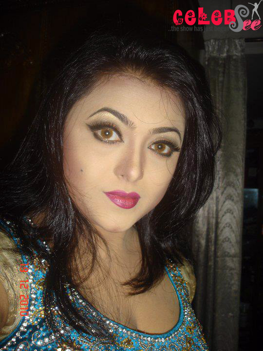 Bangladeshi Hot Flim Actress Shahnoor  CelebSee