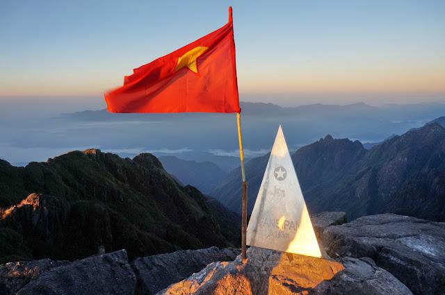 Huyền ảo cung đường săn mây Đông Tây Bắc tại đất nước Việt Nam