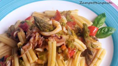Casarecce con calamaretti e asparagi - Pasta con pesce e asparagi